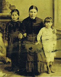 Alice Charlotte, Eliza (mother) and Charlotte Lyons